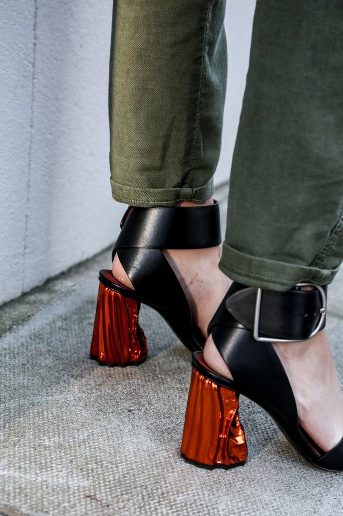 Fashion Me Now | Walking on Mars_-11