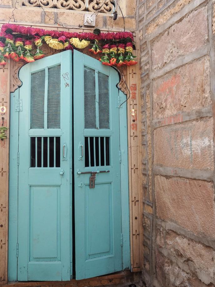 Fashion Me Now | Rajasthan Road Trip | Jaisalmer & the Desert_-43