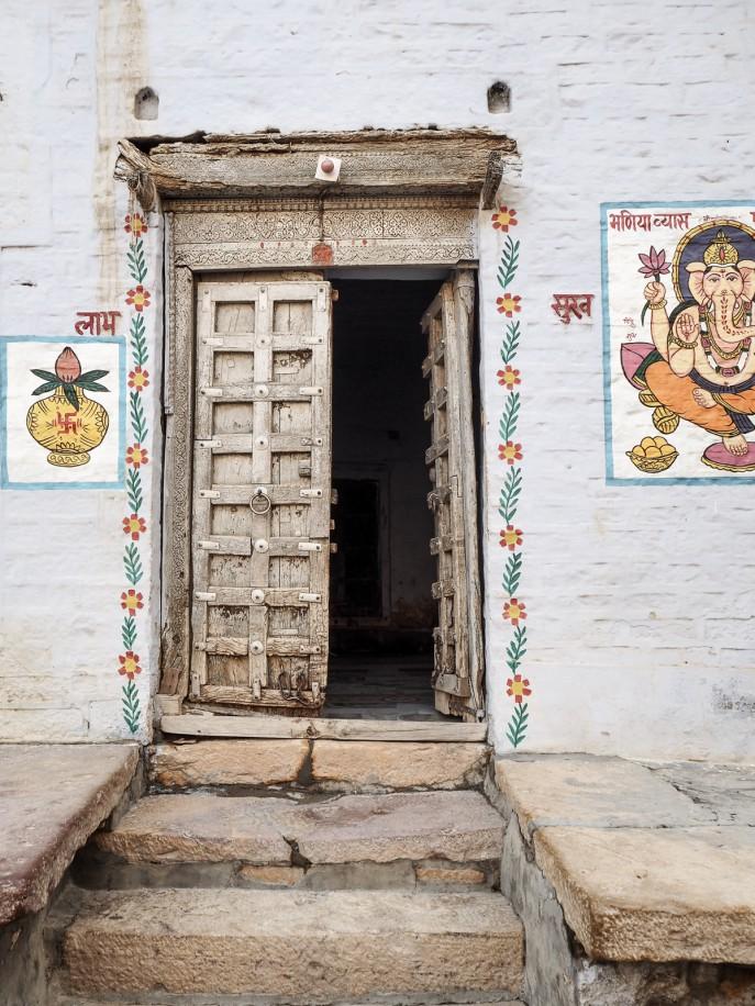 Fashion Me Now | Rajasthan Road Trip | Jaisalmer & the Desert_-50