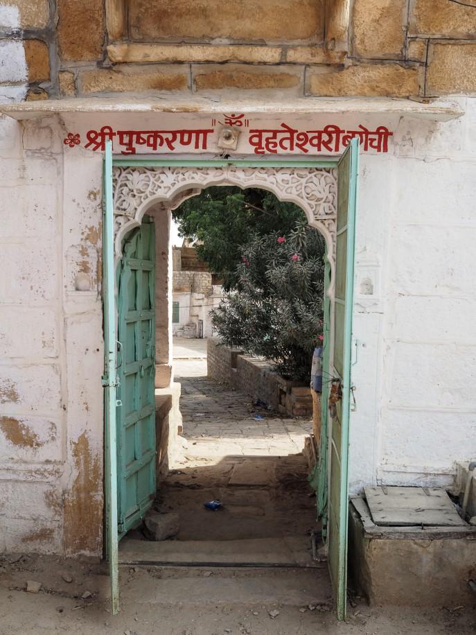 Fashion Me Now | Rajasthan Road Trip | Jaisalmer & the Desert_-81