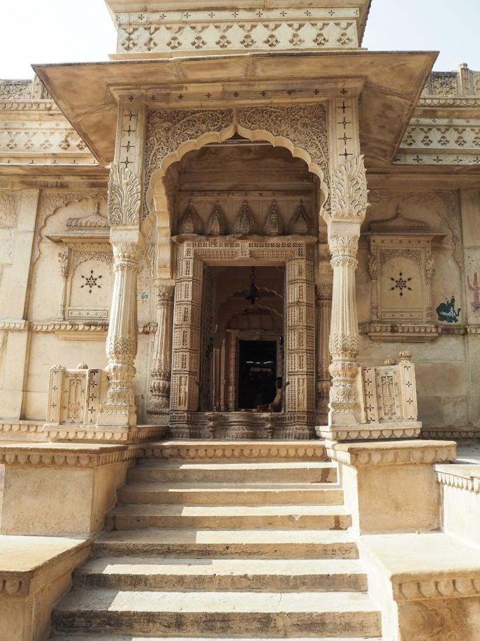 Fashion Me Now | Rajasthan Road Trip | Jaisalmer & the Desert_-99