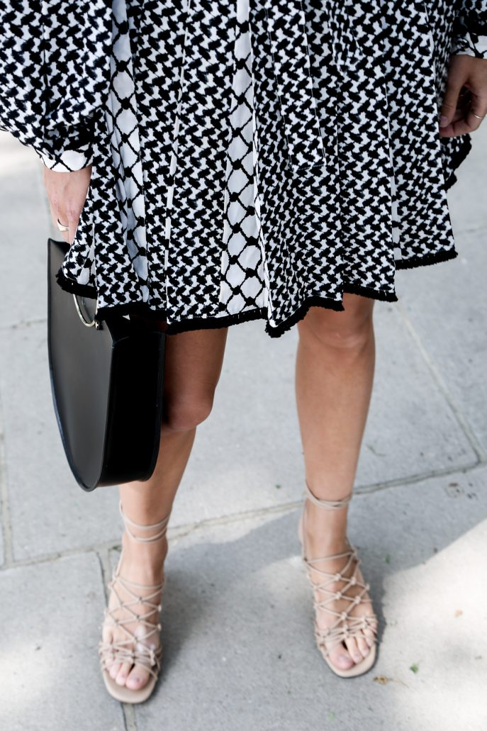 FMN-Monochrome-Wedding-Guest-Outfits-31