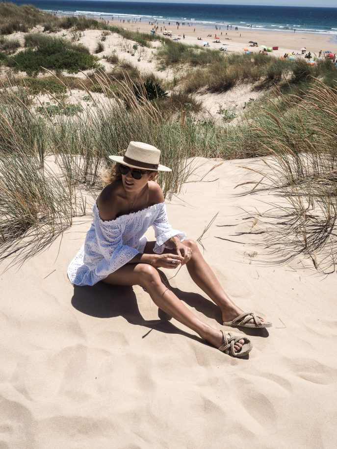 Lucy-Williams-Fashion-Me-Now-Lisbon-Weekend-Beach-Day-17