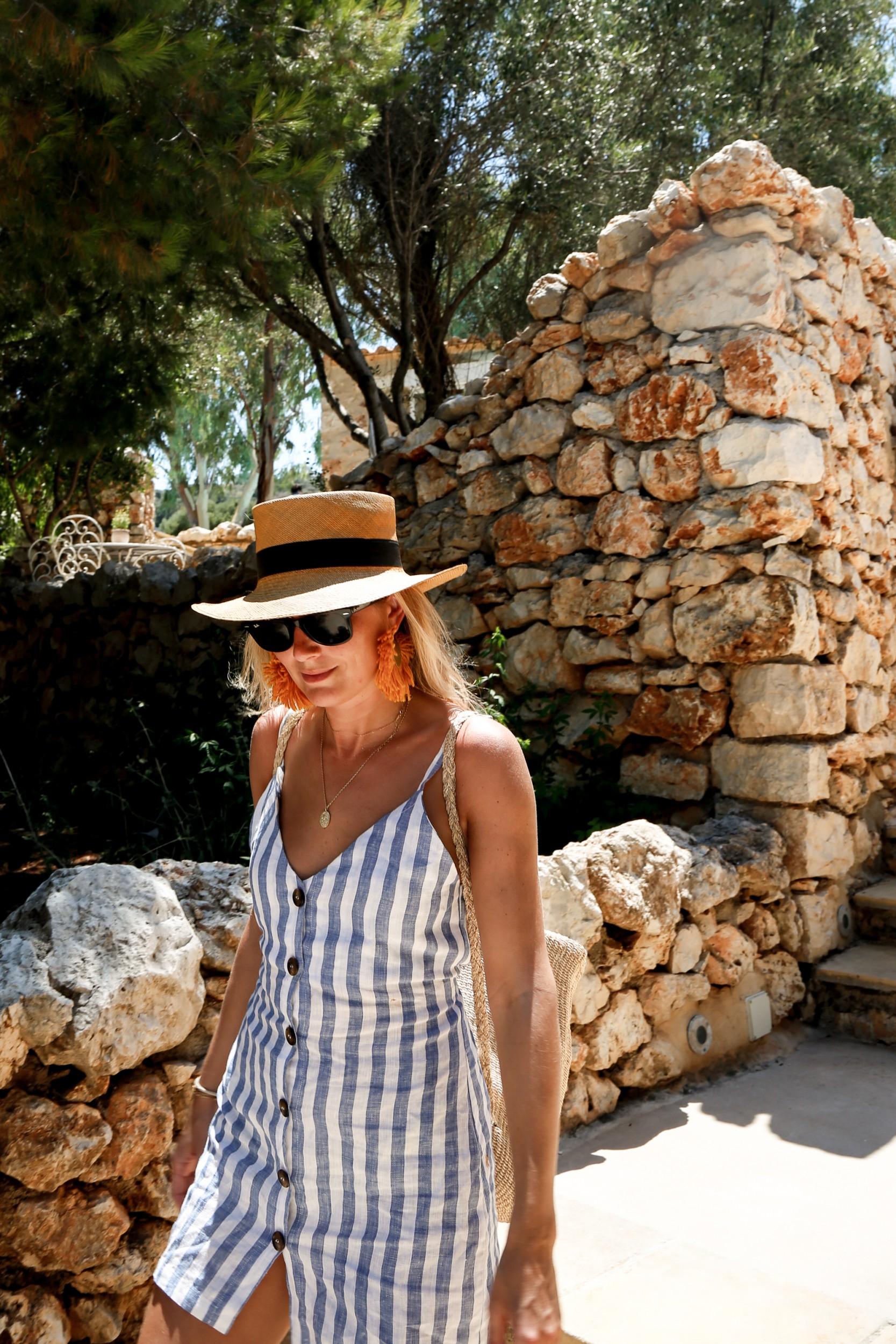 Happy Last Moments in Greece  43409a0ec0001